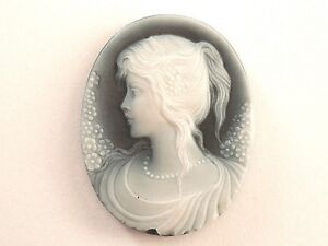 Cammeo Agata incisione ovale figura donna filo perle Egret Cameo Agate Engraving