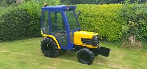 Kubota B2410D compact Tractor 4wd. Small. Only 670 Hours