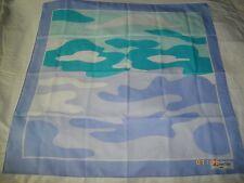 Joli foulard neuf jamais porté marque Daniel HECHTER 67,5 cms x 67,5 cms