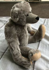 Artist Bear designed by Linda Spiegel for Bearly There Co Grey Teddy Jointed Vtg
