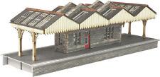 N Scale Island Platform Building - Metcalfe PN922 - F1