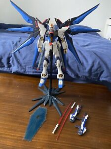 Bandai Gunpla MG 1/100 Strike Freedom Gundam Seed Destiny Model Assembled