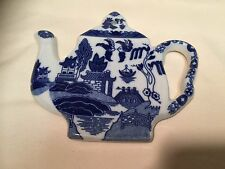 BLUE WILLOW TEAPOT TRIVET