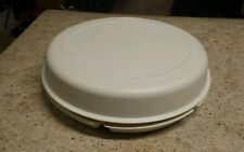 Tupperware Large Serving Center 1665 Almond Divided Covered Tray Bowl EUC