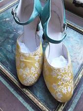 Vintage 1920 S? soie Brocade & chaussures en cuir en jaune et vert MAGNIFIQUE Affichage