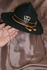 Chapeau de scout vintage bleu pure laine avec insigne croix SUF Decat Paris