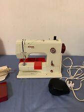 BERNINA MINIMATIC 807 macchina da cucire. tutti i lavora con pedale Accessori Case