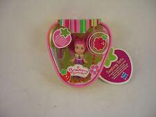 Strawberry shortcake figure-framboise montée par Hasbro
