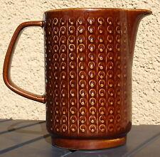 Krug Wasser Kanne Wein Keramik DDR GDR Braun Vintage Ostalgie Relief 60er 70er