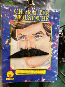 Triangle Character Mustache Black