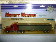 RARE MIGHTY MOVERS DIE CAST METAL 1/64 INTERNATIONAL CAB GRAIN TRAILER