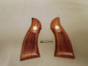 Smith and Wesson S&W Factory K Frame Magna Square Butt Revolver Grip Set Grips