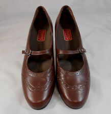 Munro American ISABEL Womens Mary Jane Wingtip Pumps Sz 8 M Leather Shoes Brown
