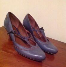 Business Standard (D) Width 100% Leather Heels for Women
