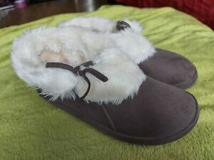 Tyoti warm bootie slippers size 6 - worn once