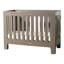 Crib with a smaller foot print Alma Papa Frost grey Bloom