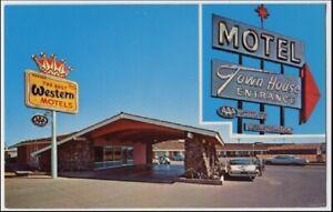 010821 VINTAGE ROUTE 66 ROADSIDE TOWN HOUSE MOTEL WINSLOW AZ POSTCARD 1960s CARS