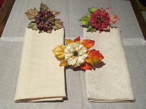NWOB 14 Hand Made Assorted Colors Velvet Flowers Napkin Rings Fall Table Setting