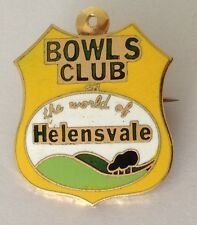 Helensvale Bowling Club Badge Rare Vintage (K1)