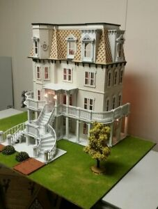 Hegeler Carus Mansion (1:24 scale) Dollhouse
