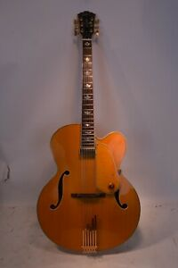 Washburn J 10 Orleans Semi-Hollow Electric Guitar W/Hard Case