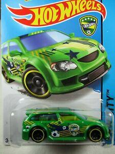 Hot Wheels 1:64  2014 -  Audaciuos Soccer - Kroger Exclusive Green 19/250