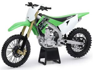Kawasaki 2019 KX450F 1/12 Motorcross Bike Green Motorcycle Toy by New Ray 58103
