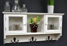 Aufbewahrungseinheiten aus Holz & Glas für das Schlafzimmer
