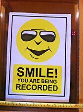 Gran sonrisa! s siendo grabado Pegatina Signo De Seguridad Nuevo 306mmx217mm