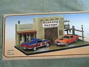 Mustang Garage Diorama 40th Anniversary 1:24 Scale Replica