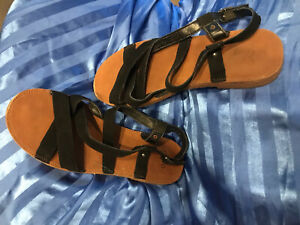 NOVO SANTORINI Black Strappy Boho Flat Sandals Size 7