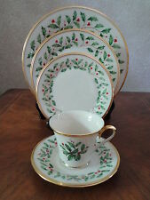 Lenox China Holiday 5 pc Place Setting Holly Christmas NEW