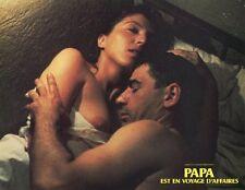 MIRJANA KARANOVIC EMIR KUSTURICA PAPA EST EN VOYAGE D'AFFAIRES 1985 LOBBY CARD 3