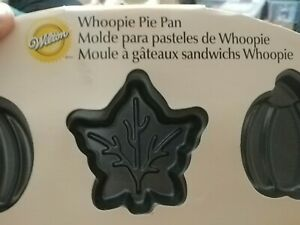 Wilton Whoopie Pie Pan Autumn Fall Pumpkin and Leaf Shape 12 Cavity NonStick New