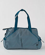 New With Tag Lululemon Extra Mile Duffel Tofino Teal White Gym Yoga Travel