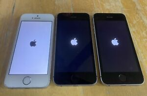Lot of Three Apple iPhone SEs in Working Condition