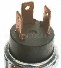Standard Motor Products PS64 Oil Pressure Sender for Light