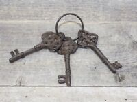 3 CAST IRON JAIL KEYS SKELETON RUSTIC WESTERN CHURCH KEY RING LOCK JAILER PROP