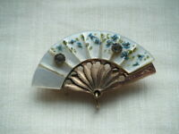 Edwardian costume jewellery brooch pin  Mother of Pearl and two paste stones fan