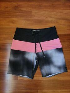Billabong Platinum X Tribong Stretch Board Shorts Mens Size 30 Pink and Gray