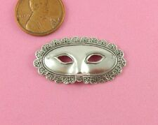 Ruffled Mask - 1 Pc(s) Fancy Vint Design Ant Silver