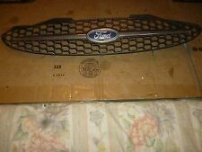 USED. 2002 Ford Taurus SE 4 Dr. Grille