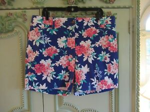 "LANDS END SHORTS 16 PETITE, MID RISE,NAVY BLUE , FLORAL, INSEAM 16 1/2 "",POCKETS"