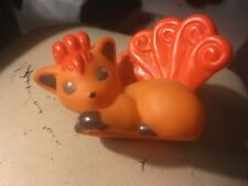 1998 oPokemon: orange and brown bandai Vulpix finger puppet toy