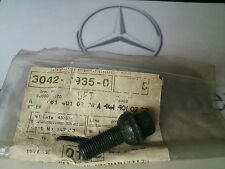 MERCEDES G WAGEN W460 W461 WHEEL NUT (1) NEW GENUINE A 4614010270