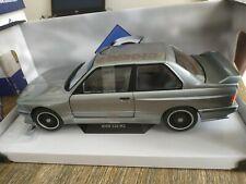 Miniature BMW E30 M3 au 1/18 Solido