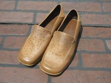Women's Avon shoes size 8 brown loafers shoes Retails $34.99