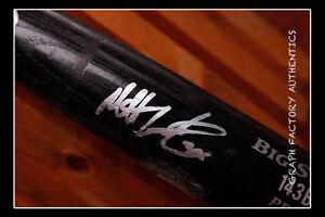 GFA Baltimore Orioles MATT WIETERS Signed GU Full Size Bat MH1 COA