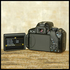SUPER CLEAN Canon EOS 650D Digital SLR Camera + video + Extras FREE UK POST