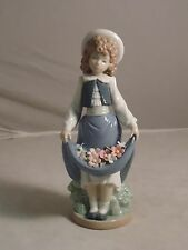 LLADRO, NAO, GIRL WITH FLOWERS IN DRESS, #2001005, RETIRED, NEW, MINT IN BOX